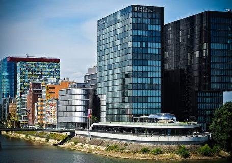 Moderne Architektur im Medienhafen in Düsseldorf